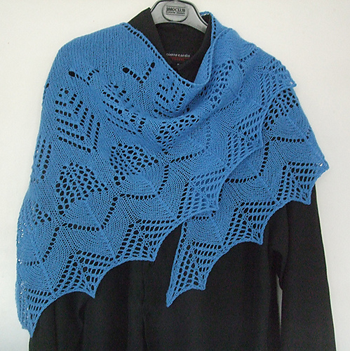 "Dear ""Blue"" Shawl knitted by SuLam as a sample for P/Hop - Thanks Su!"